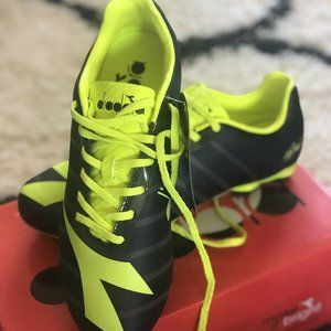 NWT DIADORA Gray Yellow RB2003 Soccer Cleats 41